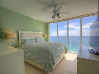 For Lease in La Perla, Sunny Isles Beach