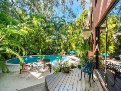 Coconut Grove 4BR/3BA Home in Kumquat Village
