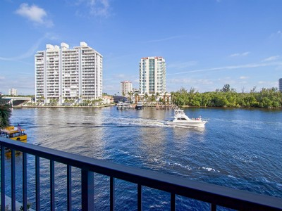 Yacht Lover's Paradise on the Intracoastal