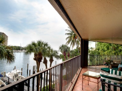 Condo with direct waterview