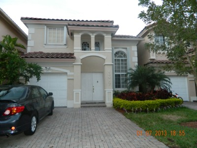 Beautiful Townhouse for Rent - Fully Furnished