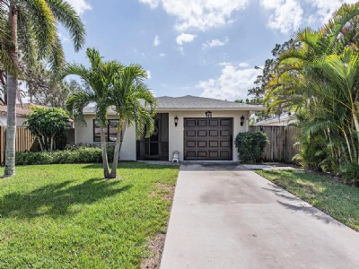 760 N 108th AVE N : Naples Park walk to beach