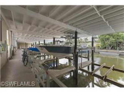 Aqualane manor 310D 14th Ave South  Boat dock/ beach restaurants !!!