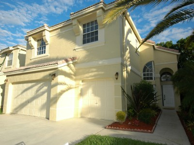 Beautiful upgraded 4 bedroom house in gated community