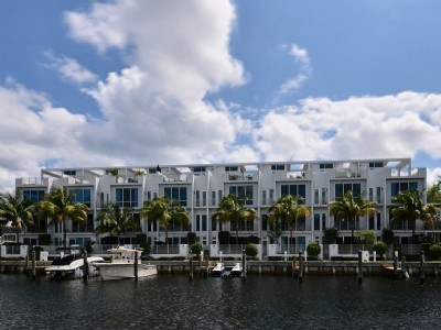 Deep Waterfront Townhome Dockage Included