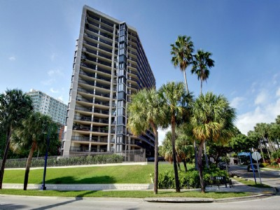 Yacht Harbour 1 Bedroom/1.5 Bath for Lease in Coconut Grove