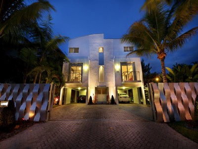 Contemporary Residence In Coconut Grove