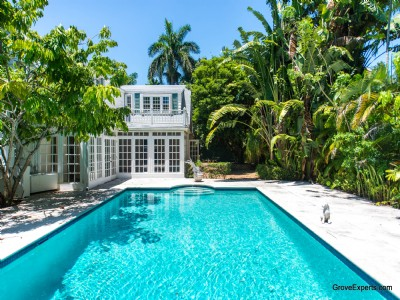 Elegance and Beauty in Coconut Grove Home