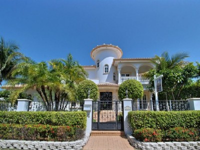 Deep Water Mediterranean Estate/100 Feet Of Waterfront