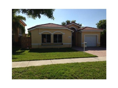 Charming 1 story single home at Doral Meadows
