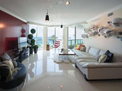 Residence #902 $1,595,000