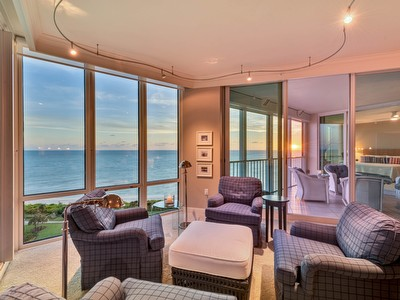 3991 N Gulf Shore BLVD #1001 / Beach Front Condo