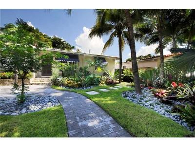 $699,000: 3 Chambres, 2 Salles de Bain, rénovée à Coconut Grove
