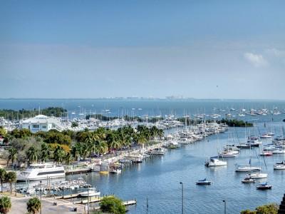Yacht Harbour - Vue sur la mer