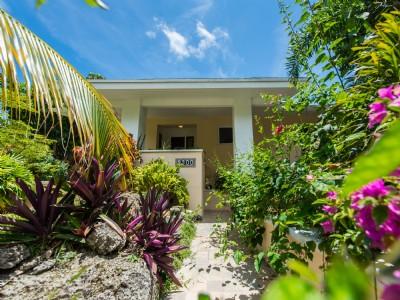 Maison très lumineuse dans une rue calme de North Coconut Grove