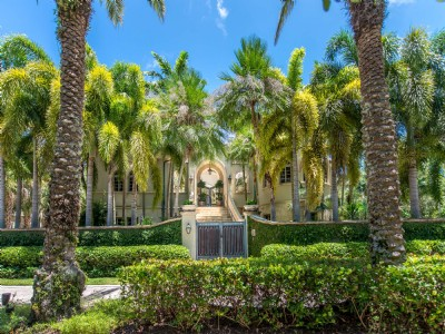Coconut Grove Waterfront Grand Home