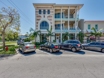 382 12th AVE  S #202 Olde Naples